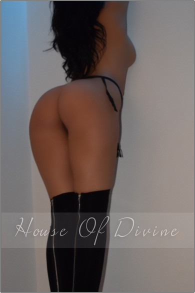 Elizabeth at House Of Divine Escorts